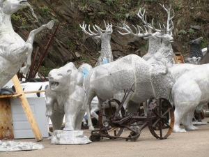 THERE ARE MANY ANIMALS IN THE BLACK HILLS.
