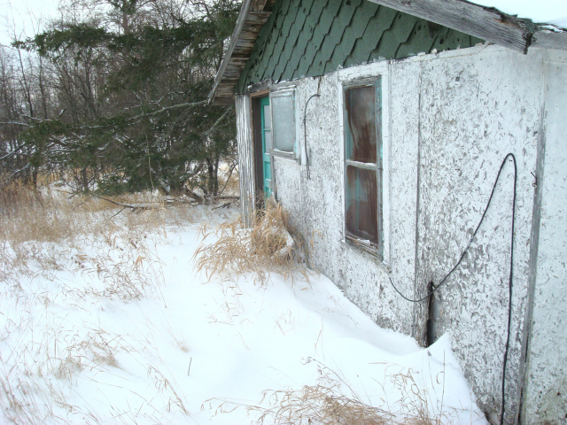 The cabin is quite lonely in the winter I imagine.